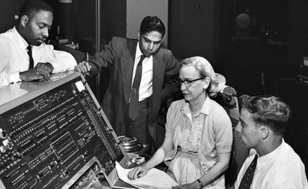 grace-hopper-first-compiler-tech-women
